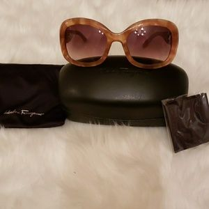 Salvatore Ferragamo sunglasses!